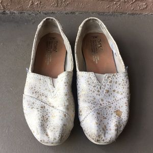 Women Toms shoes flats size 7